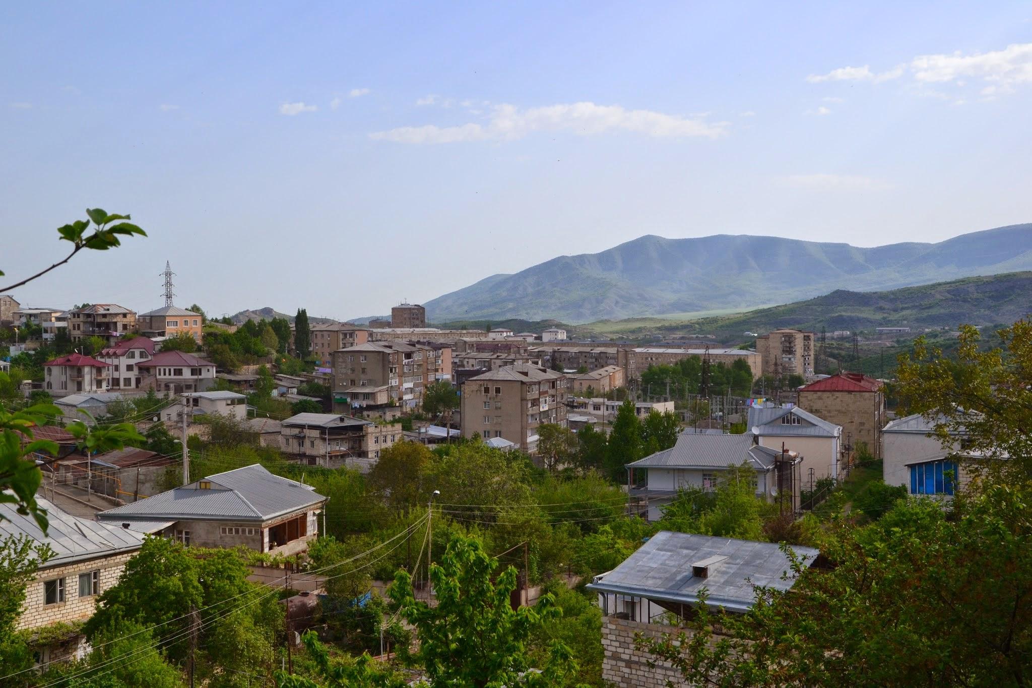 Widok z naszego balkony na Stepanakert