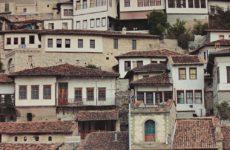 Berat, okna i uliczki. Galeria zdjęć z miasta tysiąca okien